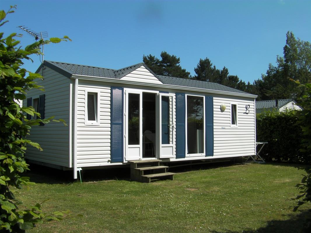 Mobil home 2 chambres location mobil home golfe du for Salon du mobil home